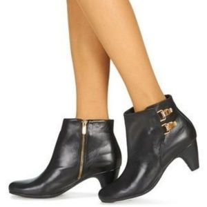 SAM EDELMAN Marmont Leather Ankle Boots
